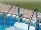 Personnalisez votre piscine avec des accessoires de qualité