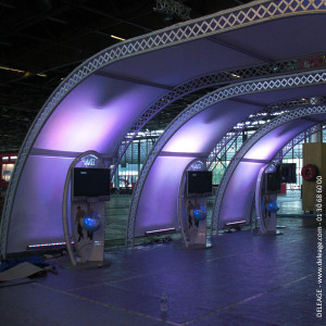 1-STAND-ARCHES